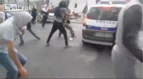 muslime_greifen_polizei_an