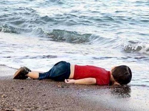 ertrunkenes-flüchtlingskind02