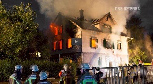 fluechtlingsheim_brennt
