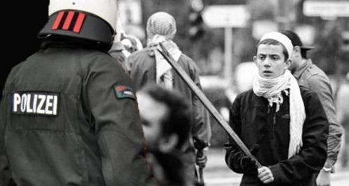 gewalt_gegen_polizisten_von_jungen_Muslimen