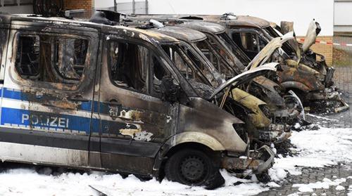 ausgebrannte_polizeiwagen