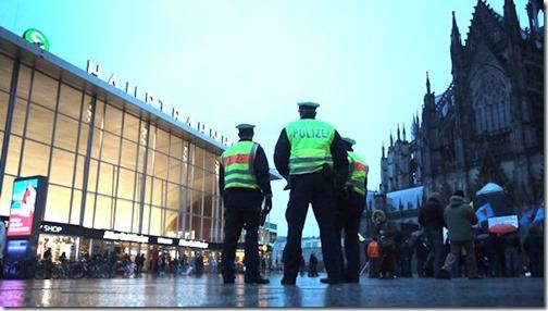 polizisten_koeln_hauptbahnhof