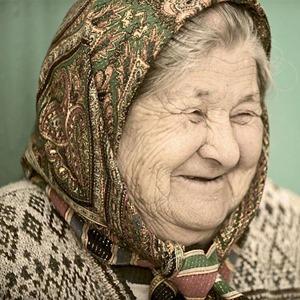 Old_woman_in_Kyrgyzstan02