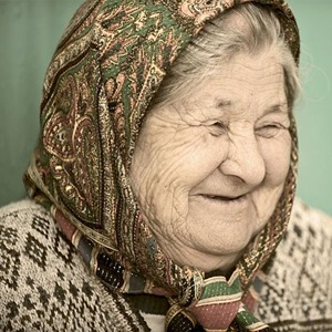 Old_woman_in_Kyrgyzstan02