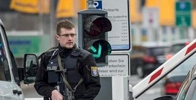 polizisten_maschinenpistolen