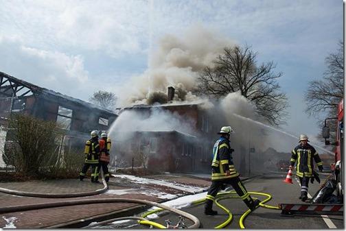 winsen_fluechtlingsheim_in_flammen