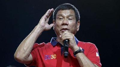 Rodrigo Duterte (71)