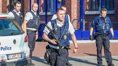 BELGIUM POLICE OFFICERS MACHETE ATTACK