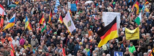 pegida_Tag_der_deutschen_einheit