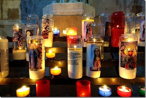 Candles_Basilique_de_Saint-Denis