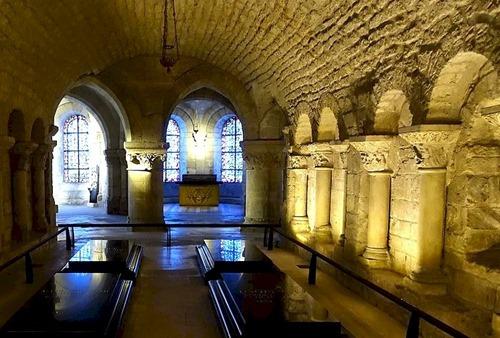 Tomb_of_Bourbon_kings