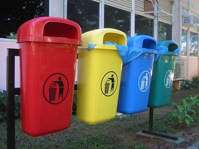 800px-Lixo-reciclável-UFRN
