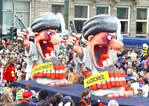 Karnevalswagen_Klischee_Wirklichkeit