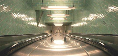 Berlin-Rolltreppe-in-U-Bahnhof