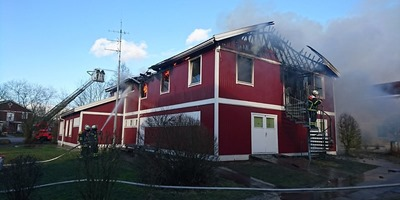 fluechtlingsheim_in_flammen