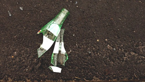 abgebrochene_glasflasche