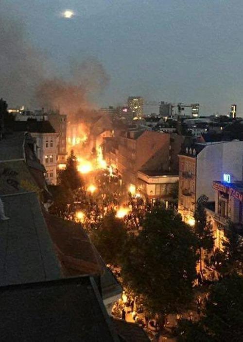 Hamburg_bei Nacht