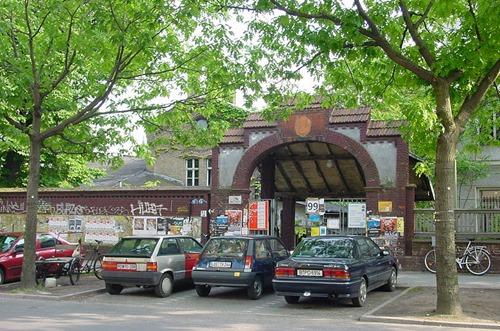 800px-RAW_Berlin_Tor1