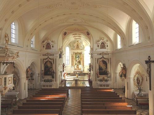Türkheim_-_Pfarrkirche_Innen_02