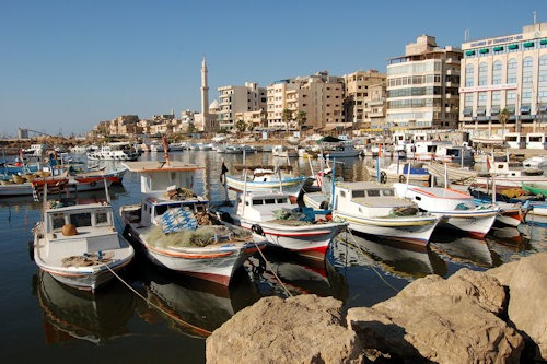Boats_on_Tartus_boat_harbor