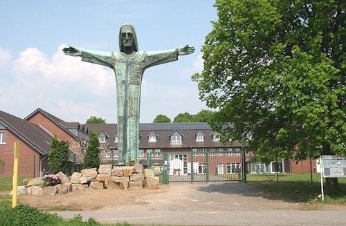 Christusstatue_von_Sankt_Augustin