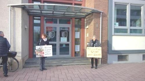kandel_rathaus_protest