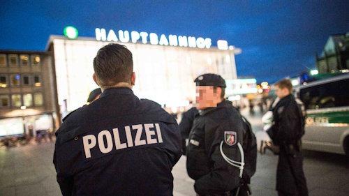 migranten_in_zuegen-gestoppt
