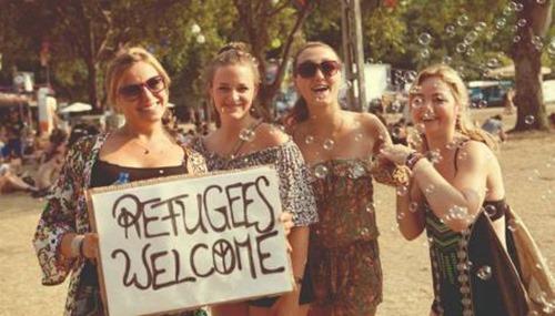 femin_refugees_welcome