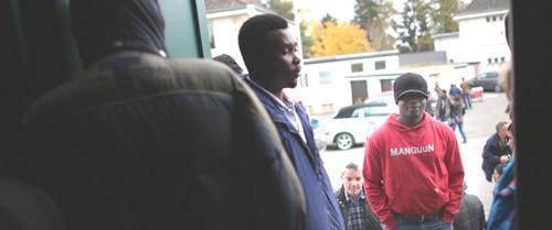 Asylsuchende-bei-der-Tafel