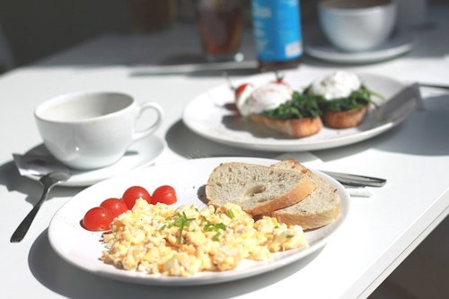 breakfast-fluechtlinge-hartz4[4]