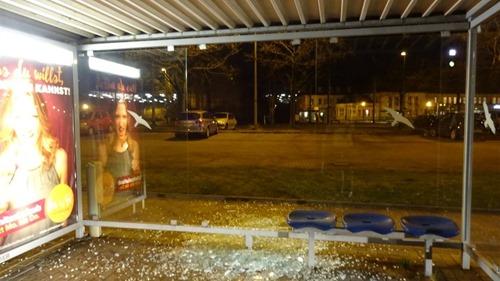 Bushaltestelle-Heinz-Ruehmann-Platz-Herne-Polizei-Bochum