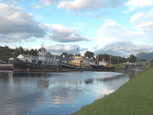 Caledonian_Canal_(Corpach)