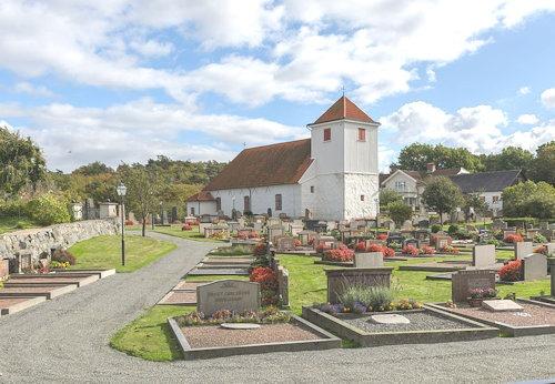 Styrsö_kyrka_September_2012_03