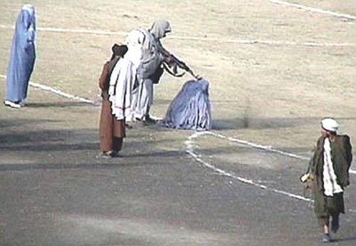 Taliban_execute_Zarmeena[6]