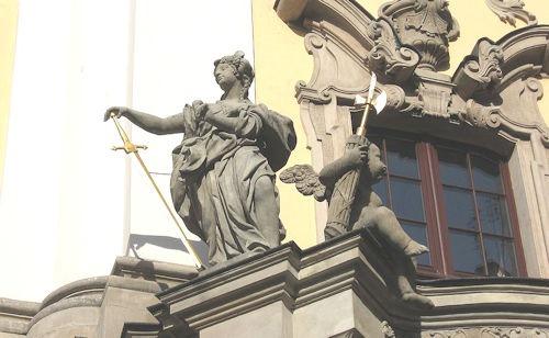 Sculputure_-_Univeristy_of_Wrocław