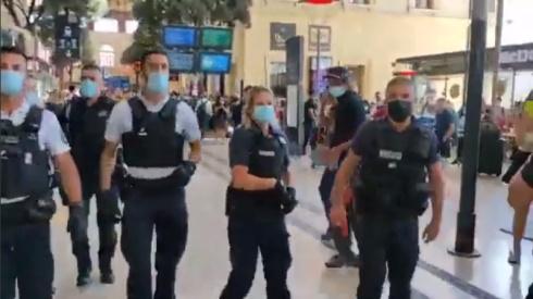 polizei-rueckwaerts